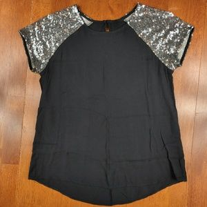 Tops - Sequin Baseball Sleeve Flowy Short Sleeve Top!